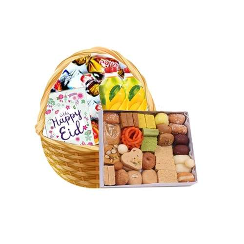 BASKET FULL OF TOFFEES WITH JUICE, MIX METHAI AND CARD